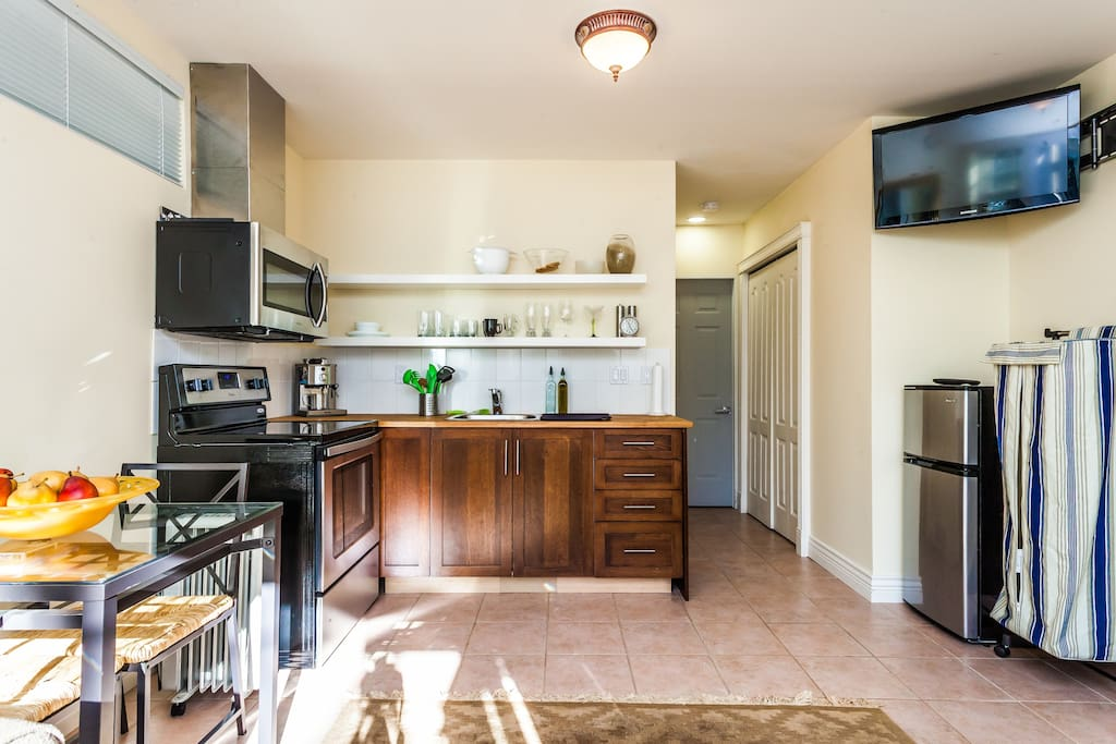 Furnished student housing rentals accommodations vancouver 12